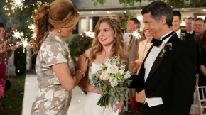 ANA GASTEYER, ALLIE GRANT, CHRIS PARNELL
